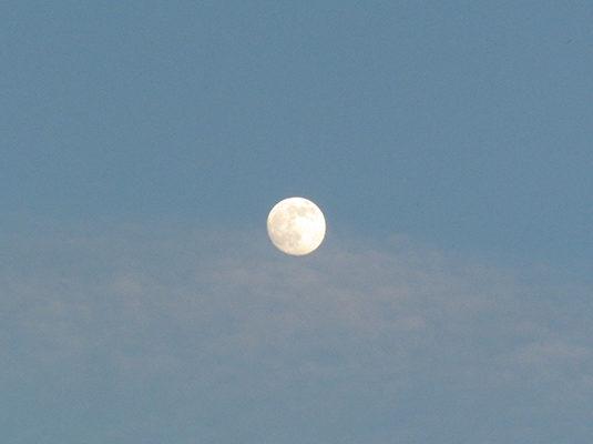 14 - Il sole tramonta e tra poco osserveremo la Luna